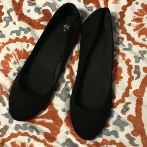 H&M Shoes - Black flats